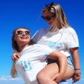 We love to see G I R L S supporting each other, having fun, being happy and enjoying a time spent together💙💗💙 @chilloca_brand was created to evoke such good emotions💟  One of the aims of this brand is to reflect #happiness ➡️ soooo visible in this picture☀️☀️☀️  We are happy to announce that a promotion on #chilloca T-shirts is prelonged till tomorrow😉🍀😘 You can have them on password ➡️MAJORKA⬅️ with 15% discount and we have all the models available in stock 🏄♀️🧁💦 #BoardsLoca #MeltingLoca #SurfLoca ☀️💦☀️  🌺 chilloca.eu (link in bio) 🌺  Remember that also until tomorrow you can participate in our #GIVEAWAY and win a protective mask for you & your #bestie 👯 More info about it ➡️in a previous post 💗  Have a lovely Monday full of good energy☀️  IT'S ALL ABOUT THE LIFESTYLE 🧁🏄♀️💦  #support #fun #happytime #goodenergy #positivevibes #evoking #goodemotions #polskamarka #polishbrand #brandidentity #activegirls #playa #sun #dobrazabawa #pozytywnemyslenie #energia #szczęście #przyjaźń #polskadziewczyna #polishgirls #polskaprodukcja #promocja #koszulki
